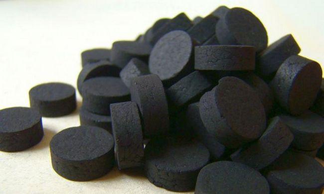 Вугілля від глистів