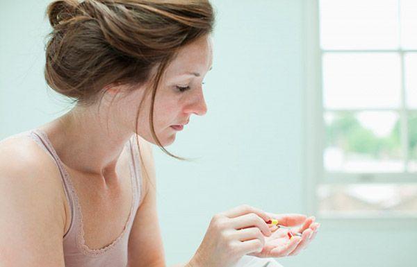 Причиной появления опухоли может стать прием гормональных препаратов