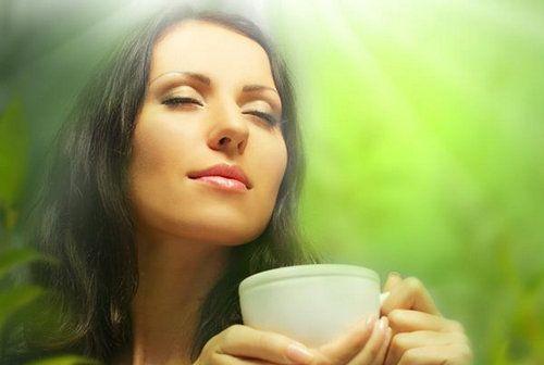 Що пити при проносі (діареї)?