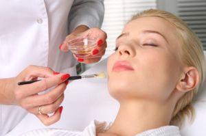 Описание способов химического пилинга кожи лица