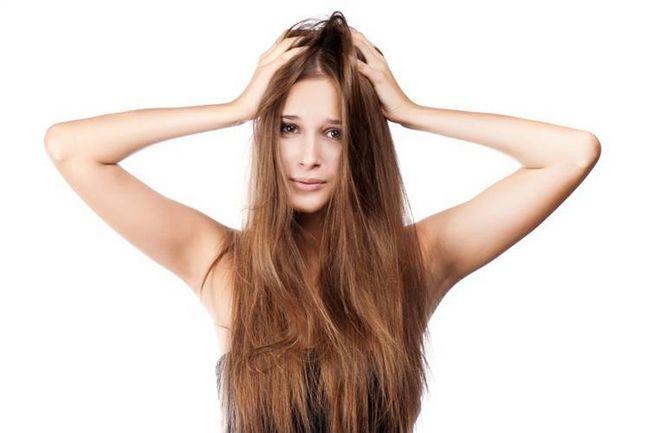 увлажнить волосы