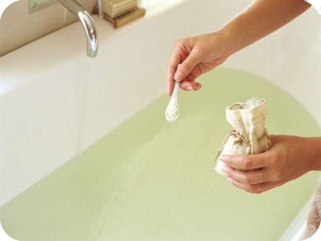 Как правильно делать ванночки при лечении геморроя?