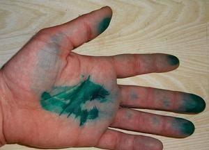 Чем и как отмыть зеленку с кожи: полезные советы и проверенные методы