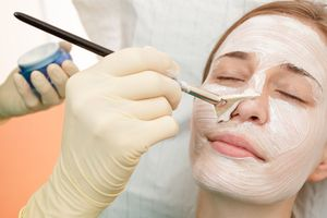 Миндальный пилинг для лица, описание процедуры и отзывы о ней