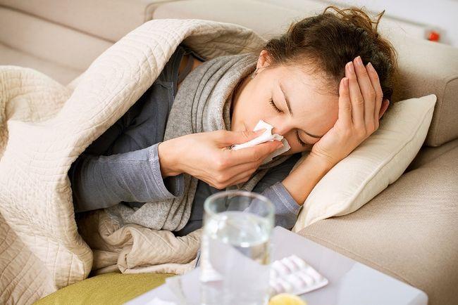 Когда женщина болеет, в ее организме вырабатываются необходимые для ребенка антитела