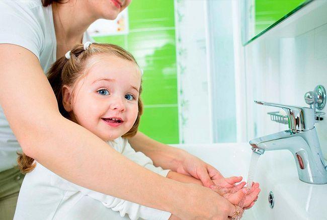 Чому постійно глисти у дитини і дорослого, які симптоми, що робити?
