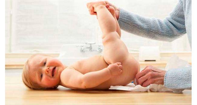 Чому у новонародженого пронос (рідкі випорожнення, діарея)?
