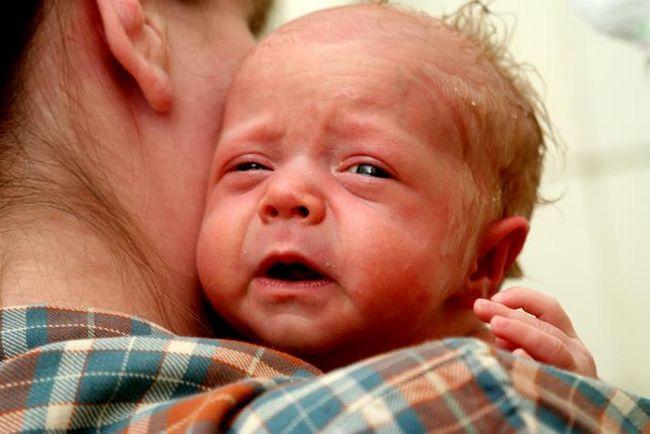 Почему у ребёнка от 2 недель до 11 месяцев понос?