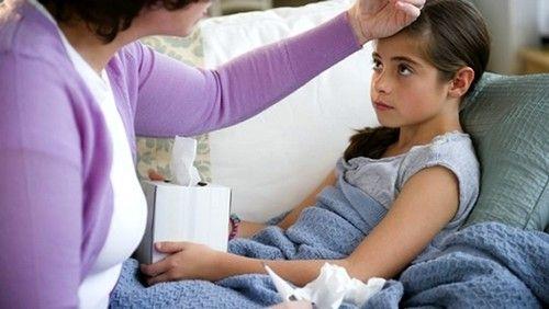 Понос и высокая температура у ребенка