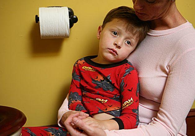 Понос с кровью у ребёнка