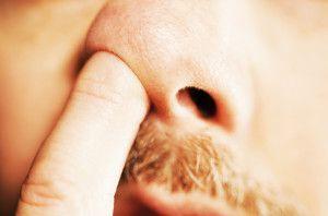 Причины и симптомы искривления носовой перегородки