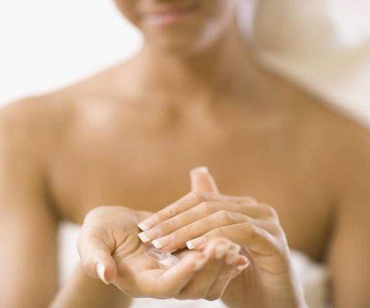 Уход за грудью с увлажняющими средствами - лучшая профилактика