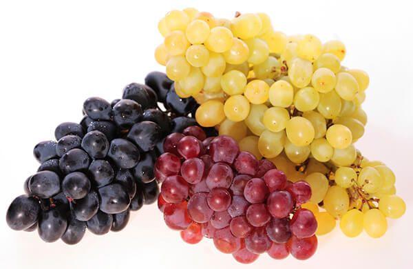 Виноград кормящей маме кушать нельзя