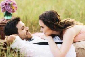 Стадии любви: 7 этапов от влюбленности к настоящему чувству