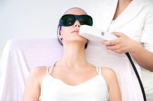 Различия в цене на проведение лазерной эпиляции волос