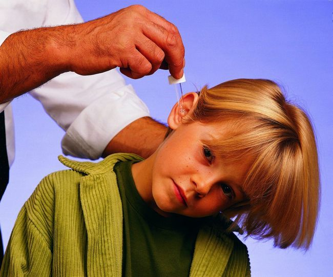 Виды среднего отита — причины и основные симптомы среднего отита